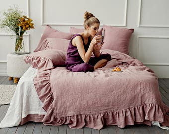 Linen duvet cover with ruffles. 12 colours. Ruffled linen bedding. Stone washed linen. Twin, Queen, King, custom sizes.