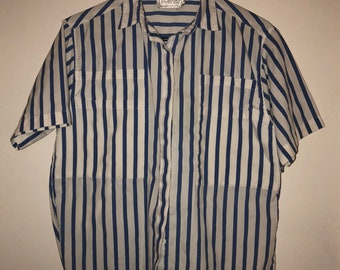 049bd3be3b475 Blue and White Striped Ladies Button-Up 1950s