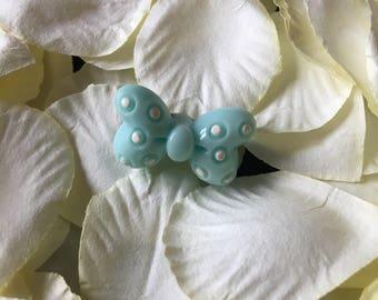 Cute kawaii decora pin badge. Lolita bow design.