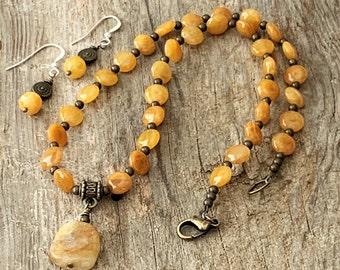 Short Boho Yellow Stone Choker Necklace and Earrings, Rustic Matching Gemstone Set for Women, Stone Pendant Necklace and Dangle Earrings