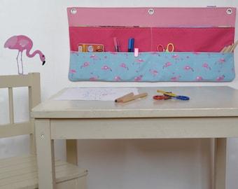 Wandtasche für Mal- und Basteltisch - Frau Knallerbse - Der Wandorganizer mit Flamingos in pink u. rosa sorgt am Maltisch für Ordnung
