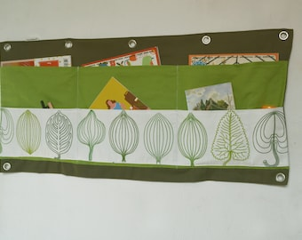 Large wall utensilo, trees, leaves woman popper's pea - Great wall storage in green white for caravan, camper and caravan.