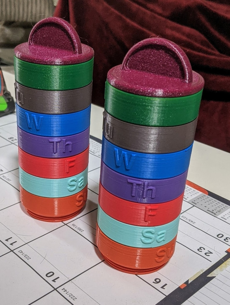 Compact stacking pill caddy