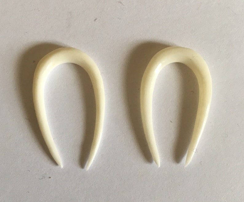 New Pair Hand Carved Buffalo Bone 3mm 8g Or 2 5mm 10g Gauges Stretchers Plugs Tunnels