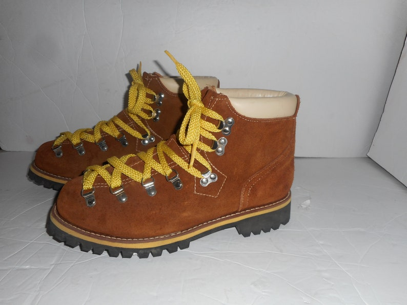 3a0be98b5c781 ON Sale Vintage Men s Suede Climbing Boots Yellow Laced