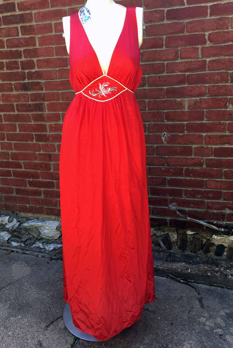 Retro Vintage 1970s Red Full Length Nightgown Plunging Neckline Floral Detail by Lorraine Nylon Size M