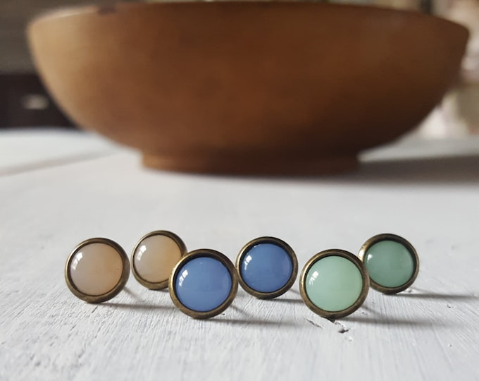 8mm opal stud on antique bronze spring collection