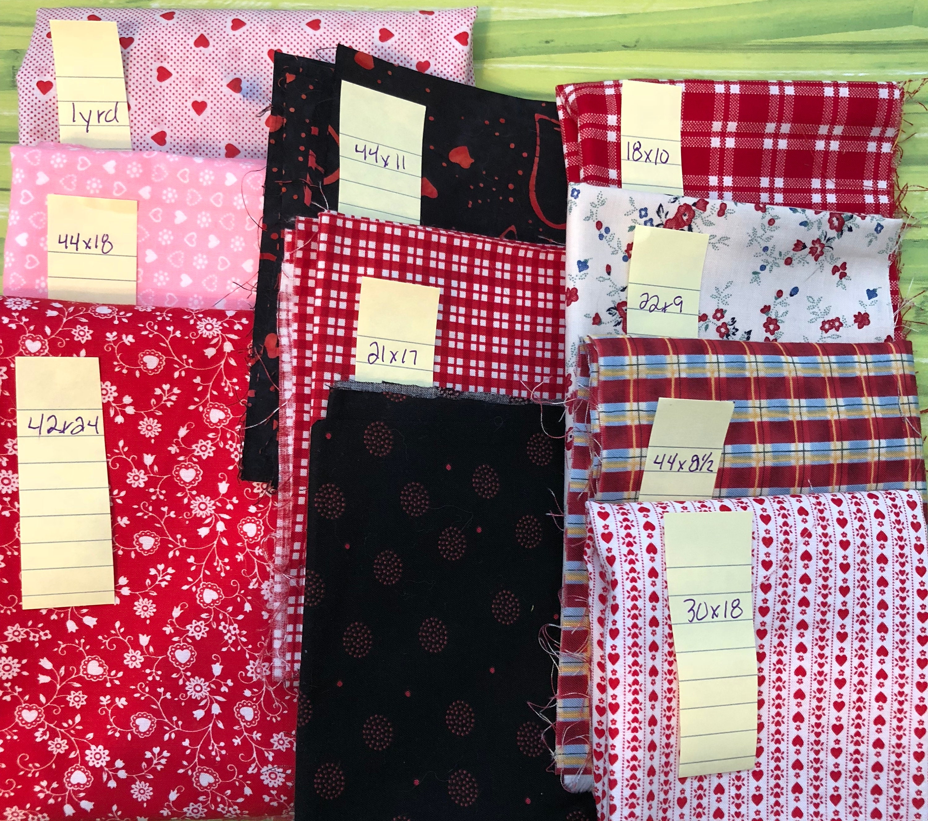 10 Various sized 100% Cotton printed fabric E451