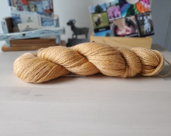 Red Sand, Hand dyed Skein, Farm Grown Mohair - Wool (75/25), Fingering Weight, Semi-solid, Trillium Yarn, 328m/100g