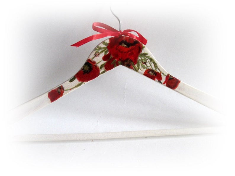 Poppies Wedding Hanger Floral Bridal Hanger Personalized Bride Hanger Bridesmaid Gift Spring Dress Hanger