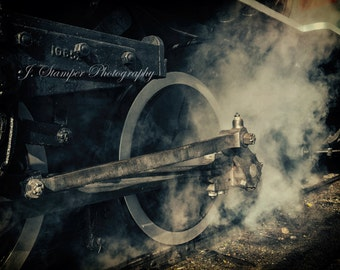 Vintage Railroad Steam Locomotive Picture.  Professional print, multiple sizes. Very sharp image for the train lover or anyone else.