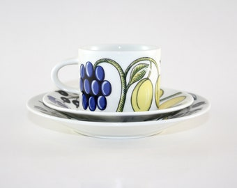 Arabia Paratiisi series BIRGER KAIPIANEN Set of six ceramic round Small PlatesSaucers 1970s Made in Finland