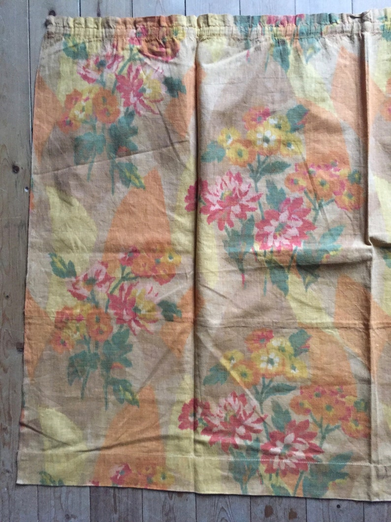 vintage fabric panel colourful Art Deco period printed textile linen curtain supply sewing projects interbellum floral pattern