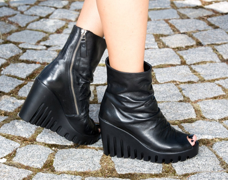 672a9ad45ed2c Woman genuine leather summer boots/platform summer boots/must have  wedges/black genuine leather summer boots
