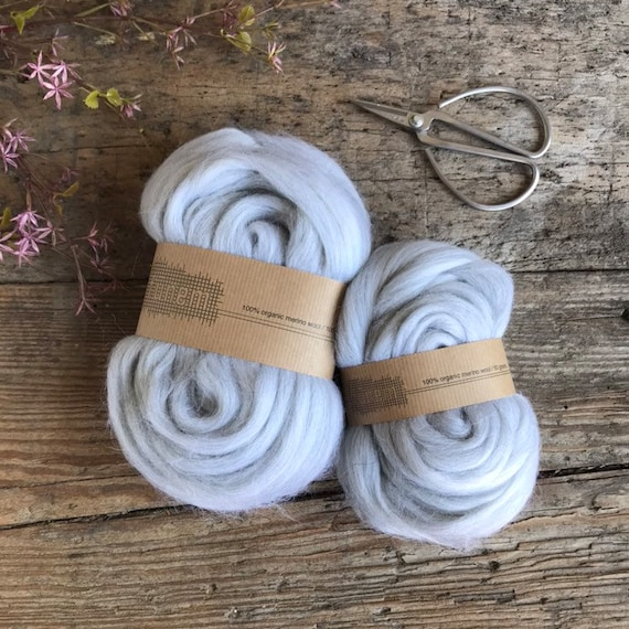 Organic Merino Wool Roving 671 Silver Mix