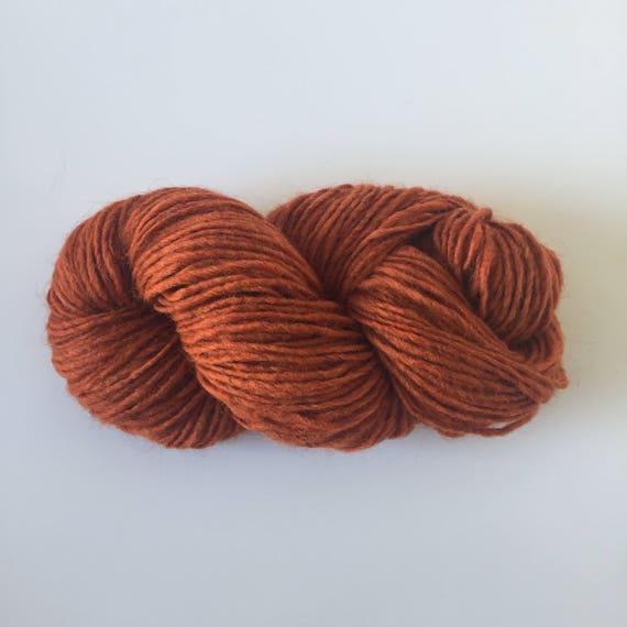 Woolly Yarn Stone Red