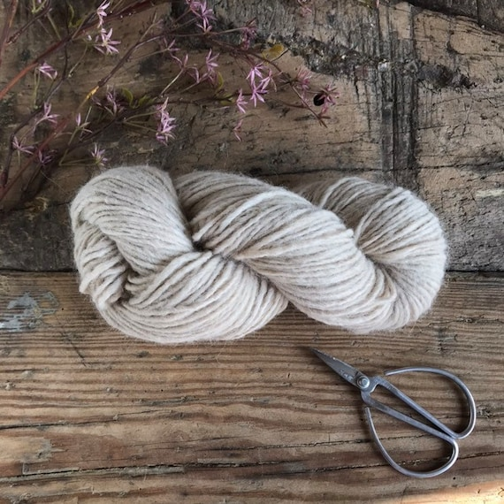 Woolly Yarn Beige