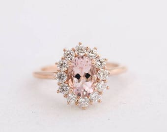 Rose Gold Morganite Ring, Oval Morganite, Diamond Halo Ring, Halo Engagement, Morganite Engagement, Rose Gold Ring, Rose Gold Morganite Ring