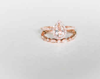 Pear Shape Morganite Rose Gold Wedding Set, Vintage Rose Gold Morganite Wedding Set, Morganite Pear Shape Diamond Halo and Diamond Band