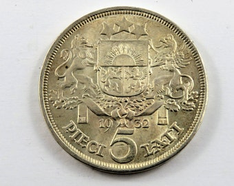 Latvia 1932 5 Lati Silver Coin.