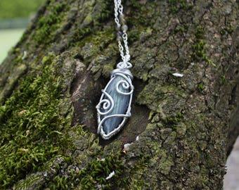Elven pendant with labradorite. Caithian