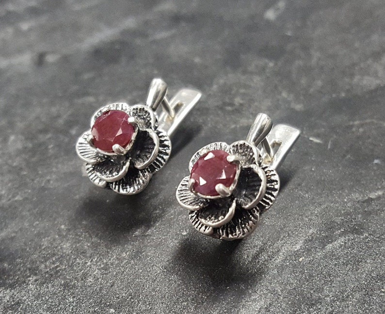Natural Ruby Red Ruby Earrings July Earrings Silver Earrings Ruby Earrings Vintage Flower Earrings Flower Earrings July Birthstone