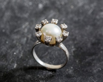 Vintage Pearl Ring, Pearl Ring, Genuine Pearl Ring, White Pearl Ring, Mothers Birthstone, June Birthstone, Pearl Jewelry, Birthstone Jewelry