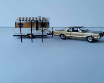 1966 Oldsmobile Cutlass Towing A 1964 Winnebago Travel Trailer Camper 1/64 Scale Metal Adult Collectible Model Car and Camper set