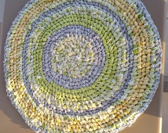 Yellow, lime round rag rug with bit of GRAY.  Toothbrush knotted. Bath, kitchen, entry, nursery. Machine Wash and Dry!