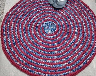 Red White Blue Patriotic Rug, round rag.  Kitchen, entry, bath, bed. Machine Wash! Vintage Toothbrush Amish technique