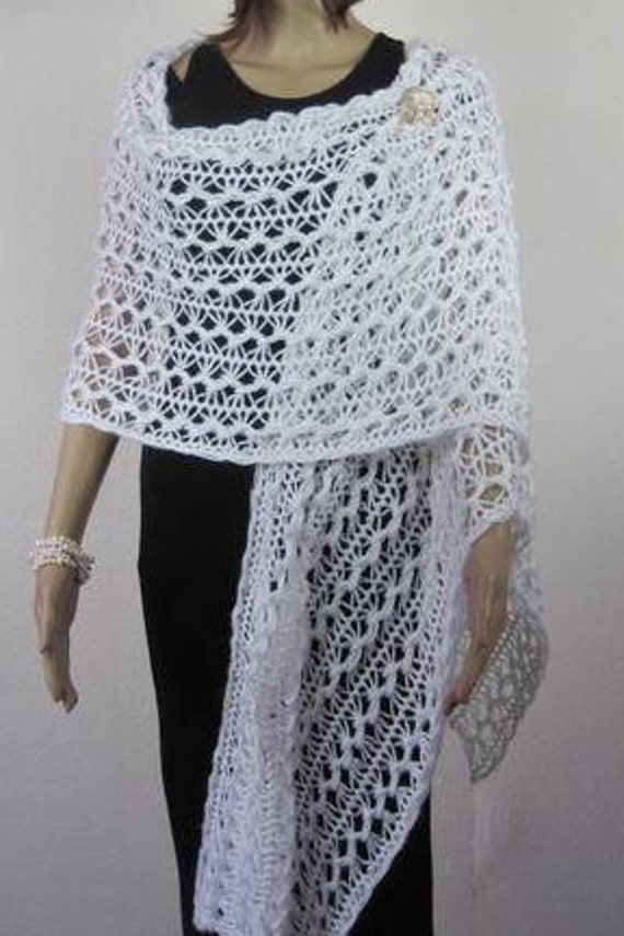 aef95b9b3 Crochet hairpin shawl with pearls