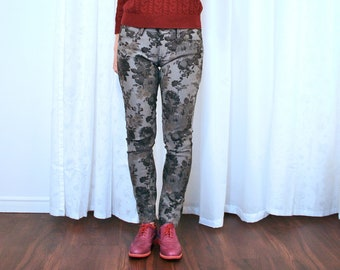 7a884c28 Grey Jeans - Mavi Alexa Floral Skinny Jeans - Slim Fit Grey Black Trousers  - Mid Rise - Pin-Up Rockabilly - Body Con - XS/Small 26