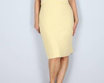 1950s Skirt - Midi Pencil Skirt - Soft Pastel Yellow Knit - Mad Men Style - Vintage - Size Small Medium
