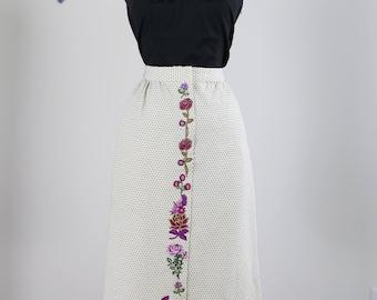 "1950s Skirt - Polkadot Midi Pencil Skirt - Floral Embroidered Upcycled - Pockets - Handmade Vintage - Cream Navy - Size Small 26"" Waist"