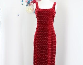 1980s Dress -  Red Velvet Maxi Midi Dress - Sexy Body Con Sheath -  Sleeveless, Patterned, Textured - Size Medium - Evening Cocktail Party