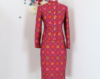 1960s 70s Suit - Red Asian Cheongsam Style Jacquard Patterned Two Piece Suit - Floral - Statement Suit - Mandarin Collar - Size Small