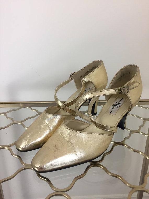 51cd40205ae33 Vintage 1980s Metallic Gold Criss Cross Strap Mary Jane Pumps
