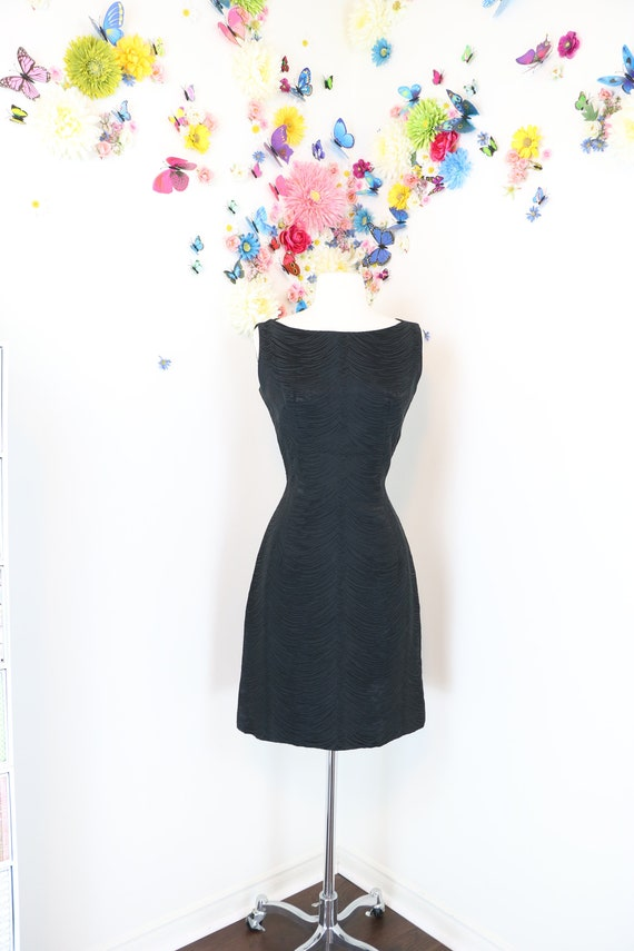 KATHLEEN KENT Irving Nadler Montreal XSS 27 Waist Textured 1950s 60s Little Black Dress Party Cocktail Wiggle Body Con