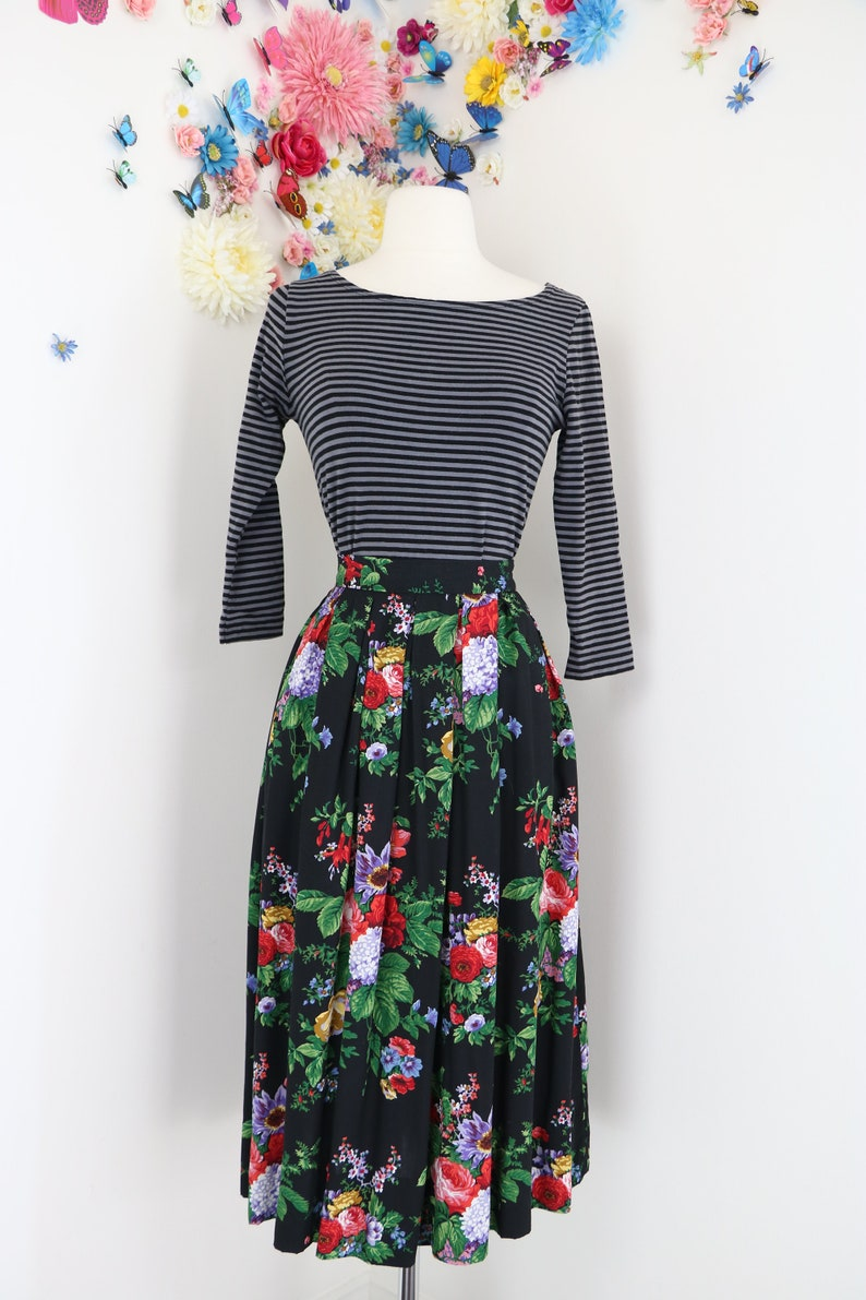 7032243f02 1980s Susan Bristol Dark Floral Skirt Pleated Midi Skirt   Etsy