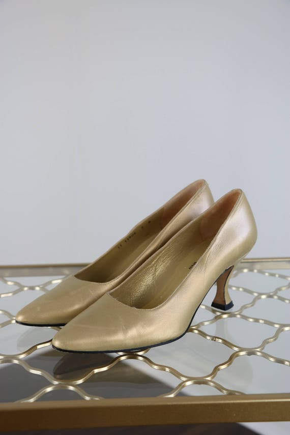 3aa49186dd423 1990s Gold Pumps Metallic Gold Leather Pumps Bravo By