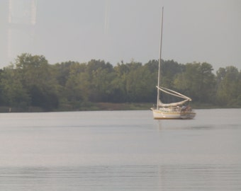 Sailing the inlet