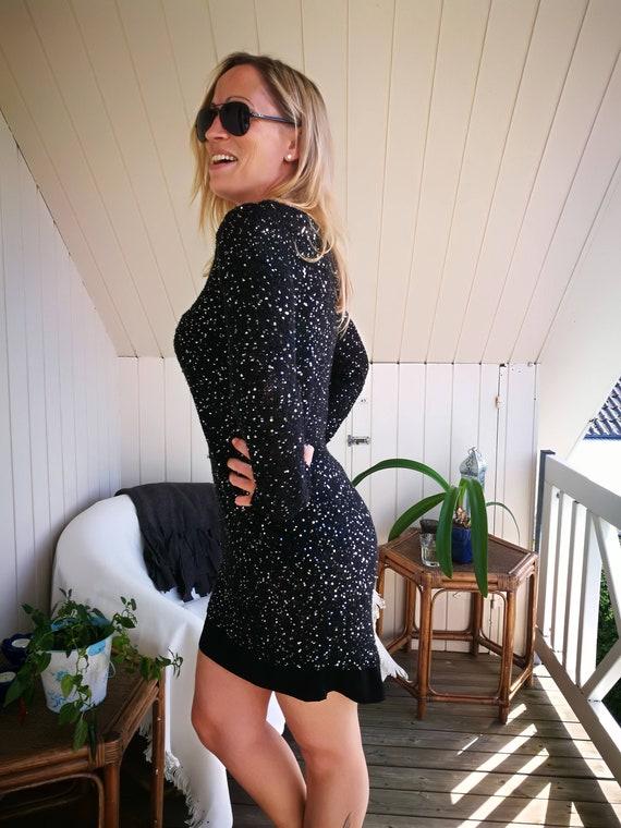 Vintage 90s dress//Black Fitted Sequin dress