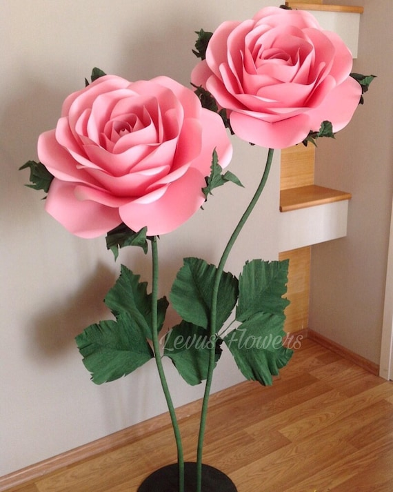 Giant Paper Flowers Paper Flowers With Stems Large Paper Flowers Stand With Flowers Flowers Decor Big Paper Roses