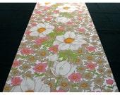 Vintage Wallpaper by the Metre - 70s Wallpaper - 70s flower Vinyl Wallpaper cas under 9