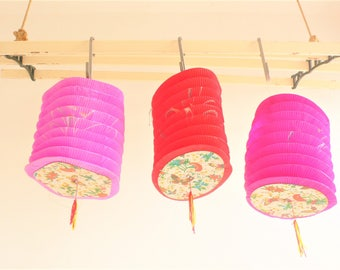 Vintage paper lanterns Chinese Butterflies Oriental lantern // Party Decorations// Hong Kong 1950s// SALE