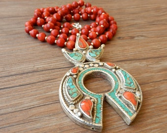 Motherpora red coral ethnic necklace, silver 925 and Tibetan silver pendant