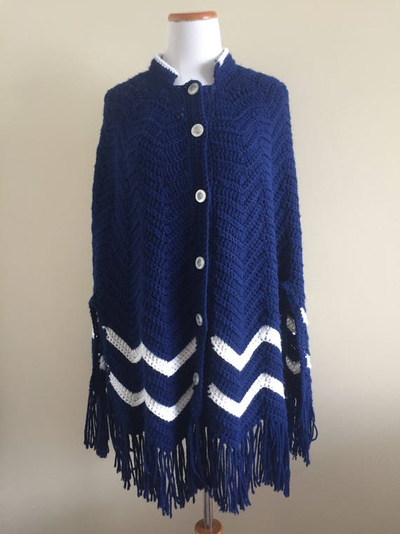 Vintage 1970s Navy Blue Fringed Knit Cape/Poncho w