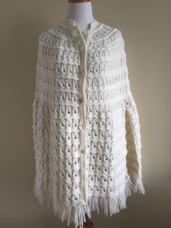 Vintage 1970s White Knit Fringed Cape - One Size F