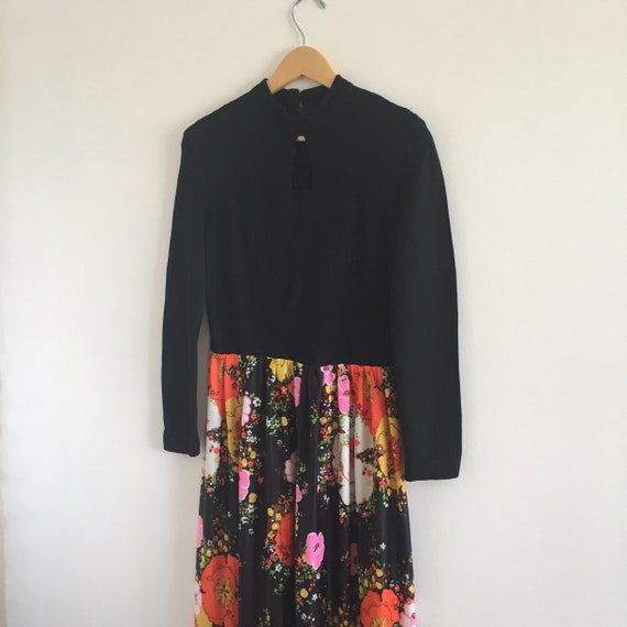 Vintage 1970s Long-Sleeved Black and Floral Maxi D