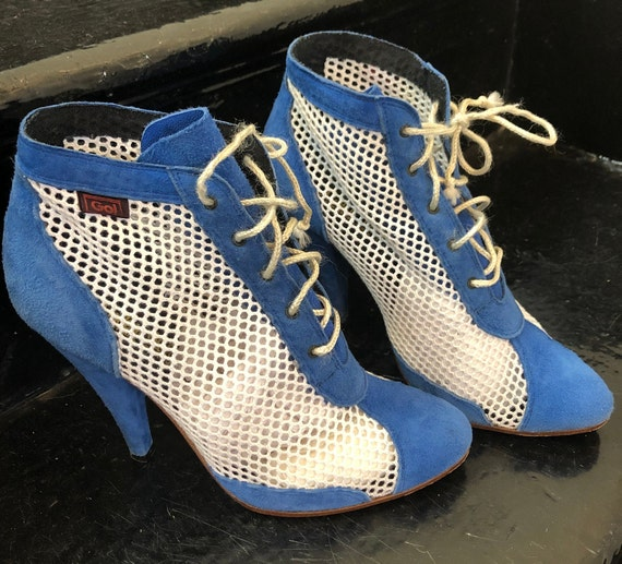 SALE! 1980s Blue Suede Mesh Lace Up Booties Stille